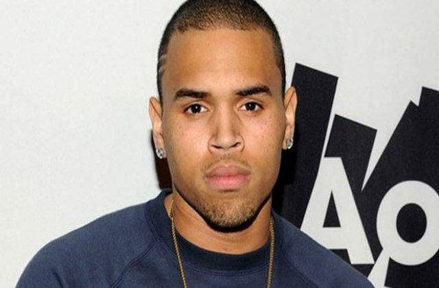 Chris Brown, acuzat ca a parasit locul in care a provocat un accident de circulatie