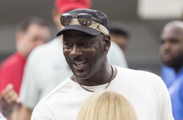 Michael Jordan a donat 10 milioane de dolari pentru construcția a 2 clinici de sănătate