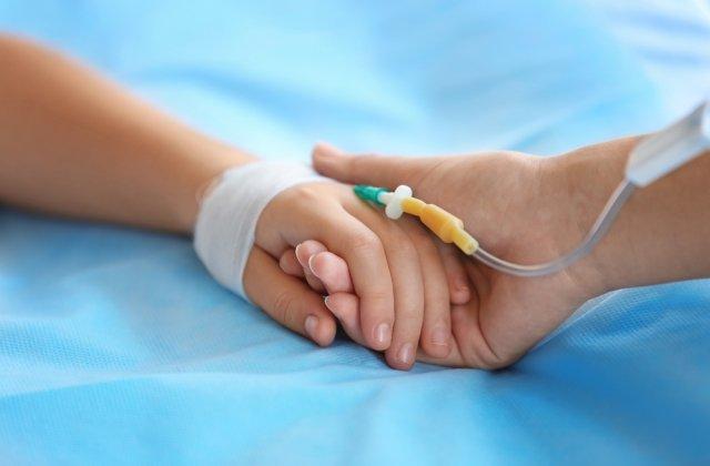 Incident tragic în Ploiești: Un copil de 10 ani a murit după ce a leșinat în timpul orei de religie