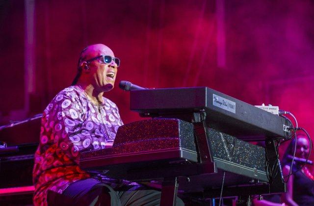 Stevie Wonder se va muta în Ghana din cauza agitației politice din SUA