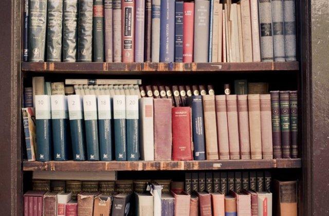 Curățenia de primăvară începe cu lichidarea bibliotecii către un anticariat care cumpără cărți