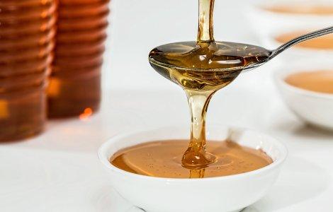 5 beneficii pe care ți le oferă mierea de Manuka