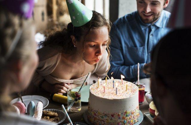 Tortul și suflatul în lumânări la zilele de naștere. 4 teorii străvechi care explică aceste tradiții