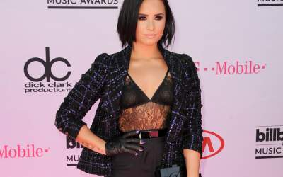 VIDEO: Demi Lovato,...