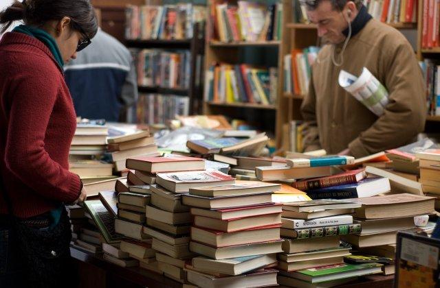Târgul de carte de la Paris, anulat din cauza pandemiei cu COVID-19
