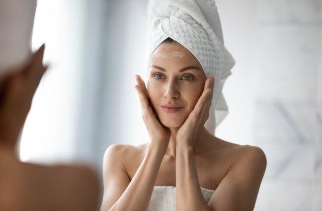 Ten curat și luminos: 4 efecte ale utilizării acidului salicilic în rutina ta