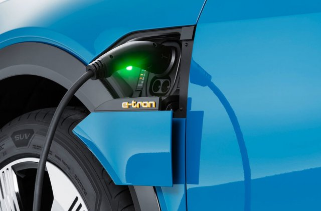 """Constructorii auto fac un apel către țările UE: """"Dezvoltați infrastructura pentru mașinile electrice!"""""""