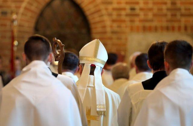 Paștele catolic: Circulația va fi permisă între orele 20:00 - 2:00