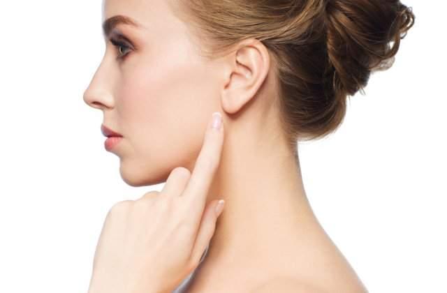Scapă de stres și dureri musculare: 4 beneficii oferite de masajul urechilor
