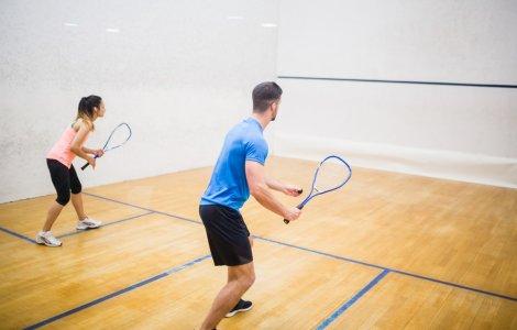 Vasile Hapun şi Nicoleta Ştefan, campioni naționali la squash