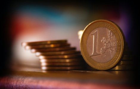 Euro a atins un nou maxim istoric. Cât de mult a crescut acesta