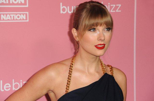 Taylor Swift a fost hărțuită din nou! Ce a pățit cântăreața