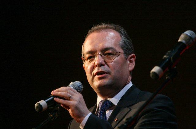 """Emil Boc, reacție la adresa autorităților: """"Nu poți opri o întreagă țară pentru că unii nu vor să se vaccineze"""""""