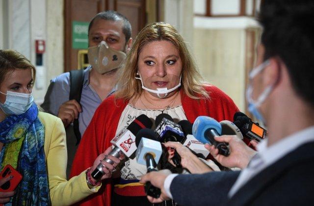 """Șoșoacă anunță că și-a făcut partid: """"Sunt mai mult decât Marine Le Pen"""""""