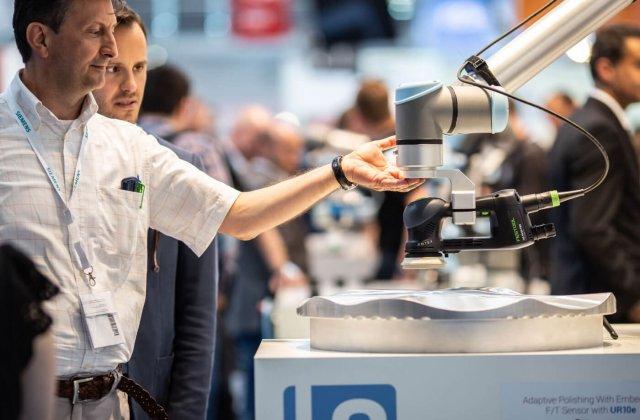Tipuri de roboți recomandați pentru afaceri mici și mijlocii