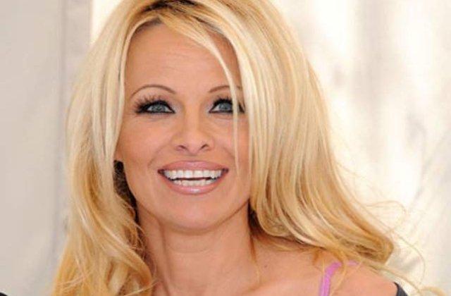 Pamela Anderson s-a impacat cu fostul ei sot