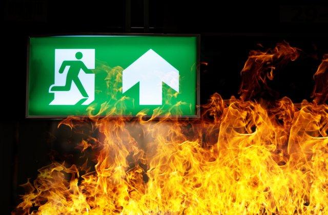 Incendiu devastator într-un spital COVID din India. Cel puțin 18 morți