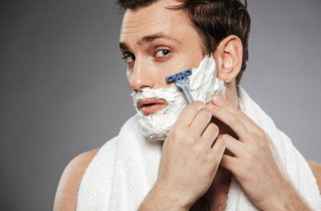 Bărbierit simplu și delicat: 3 sfaturi pentru persoanele cu pielea sensibilă