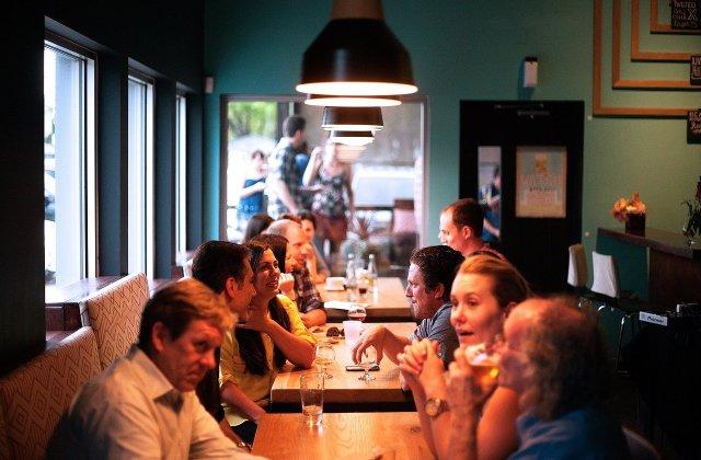 Restaurantele, sălile de spectacol și cinematografele se redeschid în București, după 2 luni