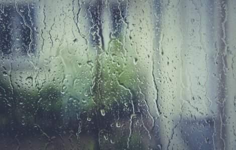 Prognoza meteo - 6 mai. Meteorologii anunță ploi în jumătatea de...