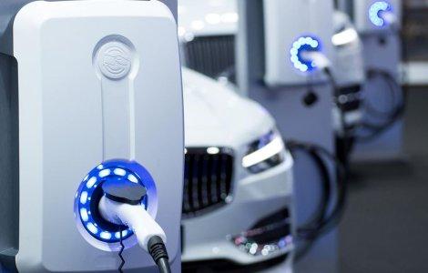 19% dintre proprietarii de mașini electrice s-au întors la cele cu...