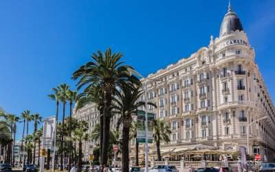 Hotelul Carlton din Cannes...