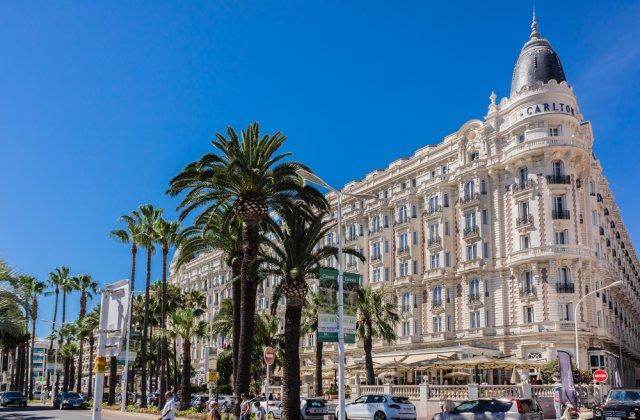 Hotelul Carlton din Cannes își scoate la licitație mobilierul!