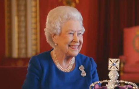 Regina Elisabeta, prima apariție oficială după moartea prințului...