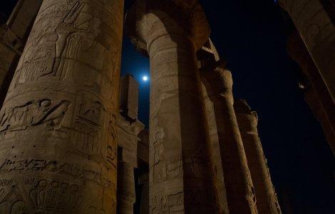 Aproximativ 250 de morminte vechi de 4.200 de ani au fost...
