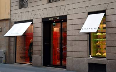 Casa de modă Valentino nu va...