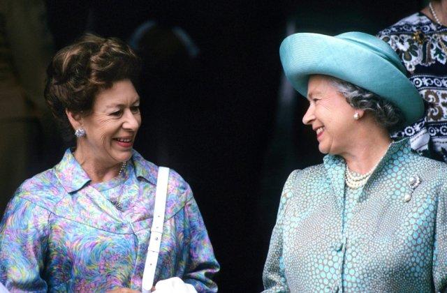 Țigări, whisky și ghinion în dragoste. Prințesa Margaret, sora reginei Elisabeta a II-a, o viață plină de vicii