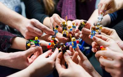 Seturi Lego pe care copilul...