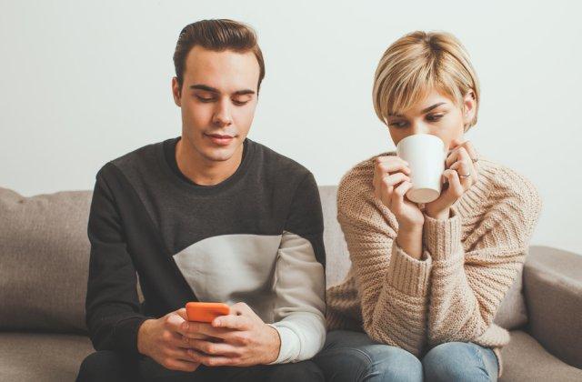 4 semne după care poți depista dacă partenerul tău te înșală