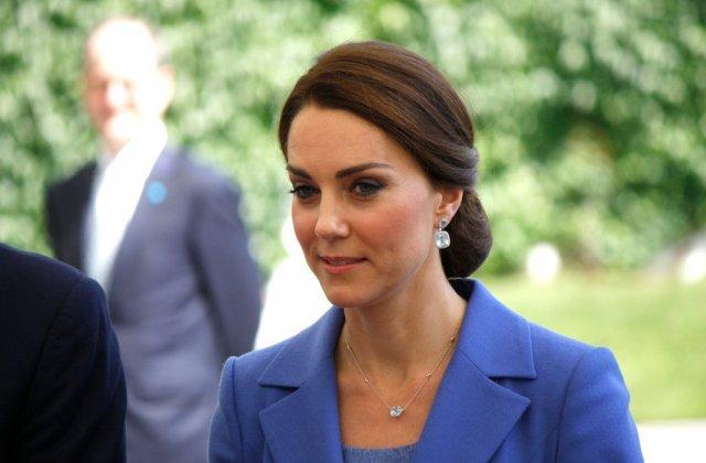 """Kate Middleton este """"extrem de recunoscătoare"""" după prima doză de vaccin anti-Covid-19"""