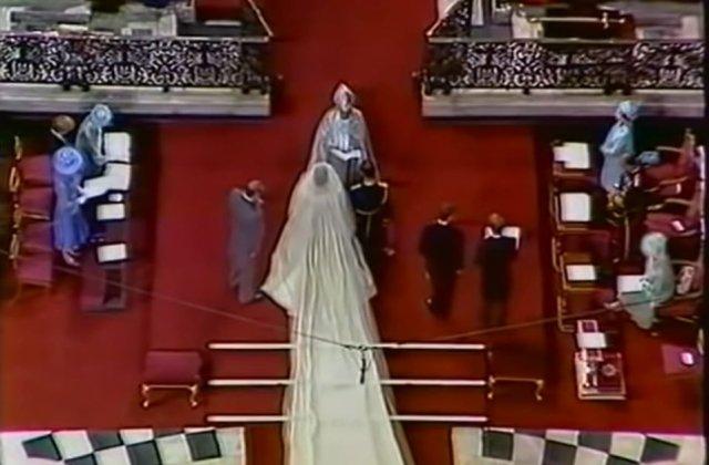 VIDEO Rochia de mireasă a prințesei Diana, vedeta unei expoziții