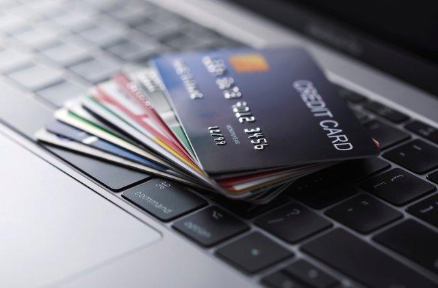Un bărbat este acuzat că fura bani de pe cardurile celor care donau pentru cazuri umanitare