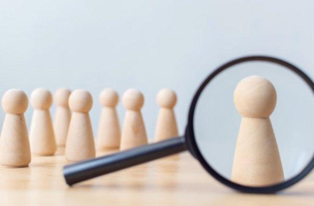 Ce este un sistem HCM și cum îți poate îmbunătăți afacerea?