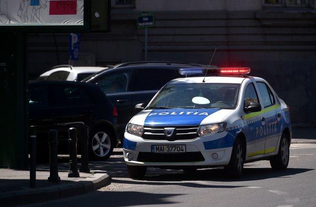 SURSE: Un traficant din Capitală a aruncat un rucsac plin cu heroină pe geam, care a căzut la picioarele polițiștilor