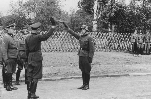 Justitia germana va ancheta 30 de presupusi gardieni de la Auschwitz