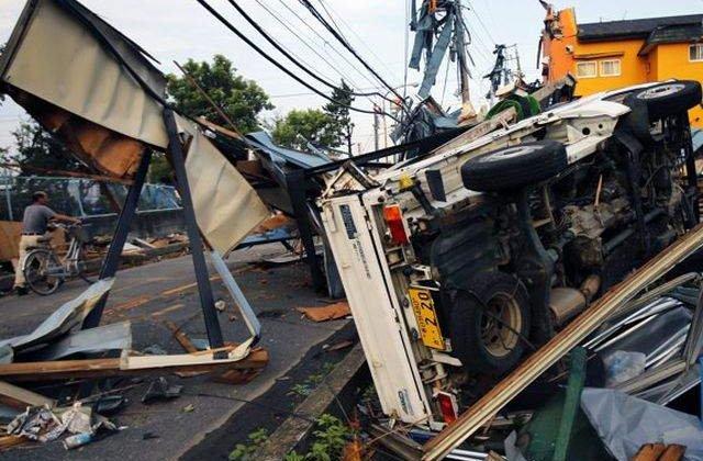 O tornada si ploi torentiale au provocat pagube insemnate in Japonia