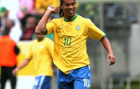 VIDEO Fostul fotbalist Ronaldinho s-a lansat în lumea muzicii