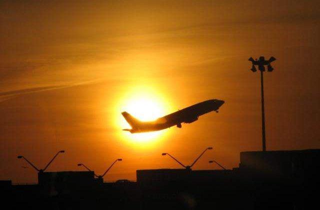 Parlamentarii ieseni vor 10 mil. lei de la Guvern pentru aeroport