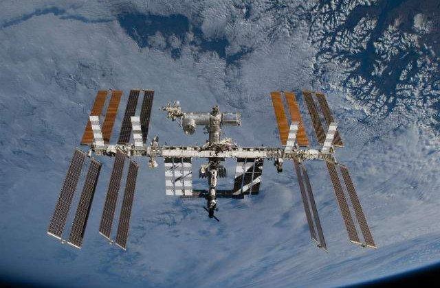 Un nou echipaj de trei astronauti a ajuns pe Statia Spatiala Internationala