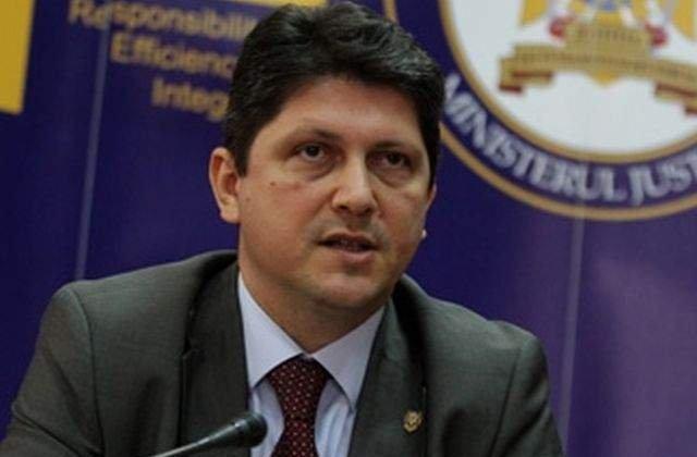Corlatean: Franta a primit de 8 ori mai multi bani pentru romi decat Romania