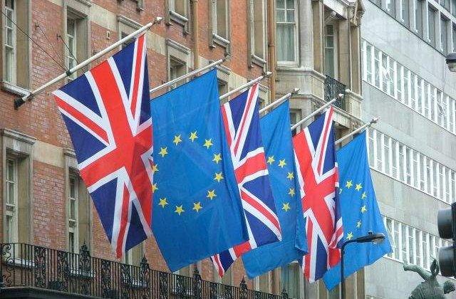 Lideri de afaceri: Costurile apartenentei Marii Britanii la UE, mai mari decat beneficiile