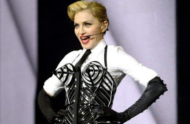 Madonna, cea mai bine platita cantareata din 2013