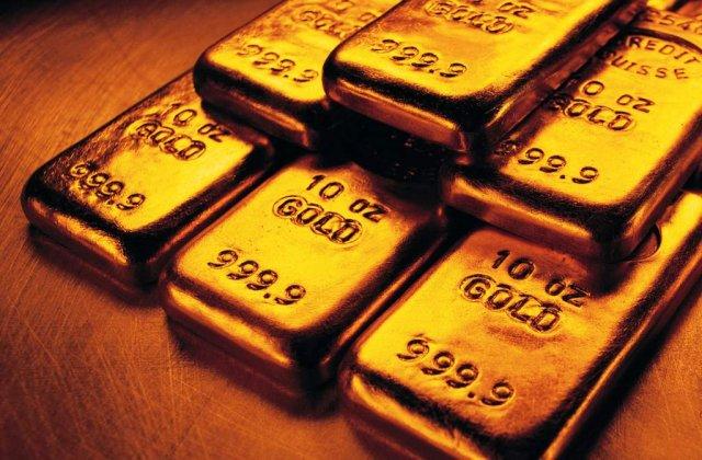 India: Lingouri de aur gasite in toaleta unui avion
