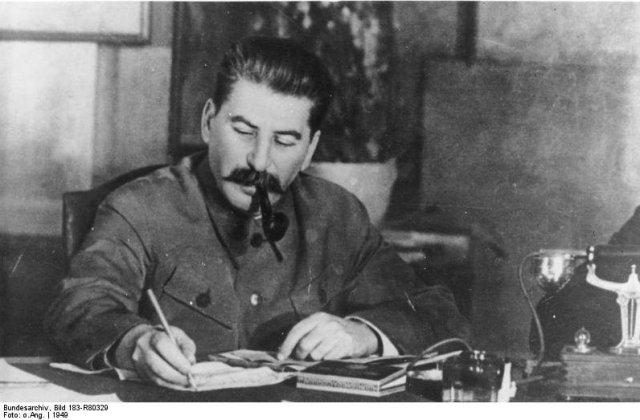 Portretul lui Stalin, intr-un autobuz in Sankt Petersburg