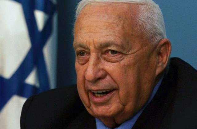 Lideri palestinieni: Sharon, un criminal care s-a sustras justitiei internationale