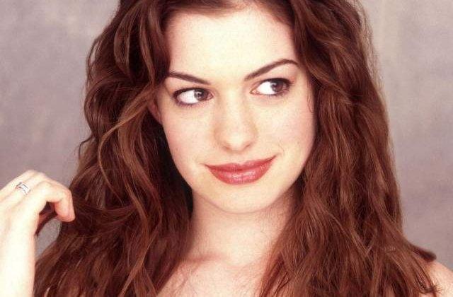 Actrita Anne Hathaway, la un pas de a se ineca, in Hawaii